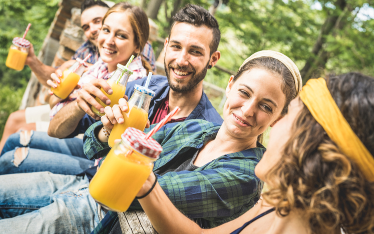 people on a diet and detox retreat